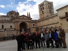 Foto del grupo ante la catedral de Zamora